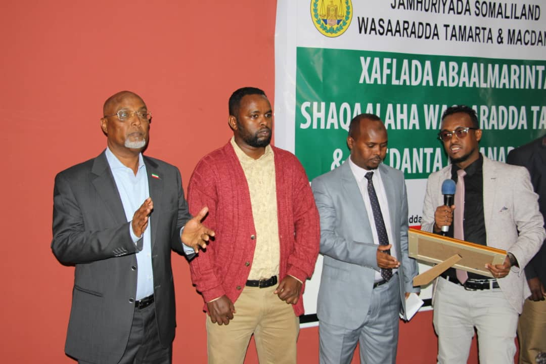 Somaliland: Certificates with Cash Prizes Awarded Ministry of Energy's Best Staff