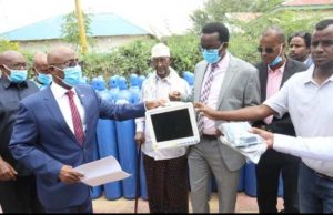 Somaliland: Ministry of Energy hands over medical kits donated by the Genel to the Health Ministry